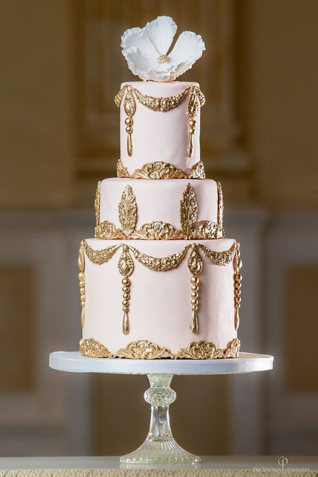Beautiful Gold Wedding Cake