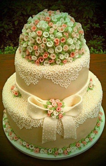 Elegant and Artistic Cake