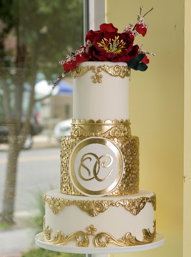 20 Magnificent Gold Wedding Cakes Page 9 of 23
