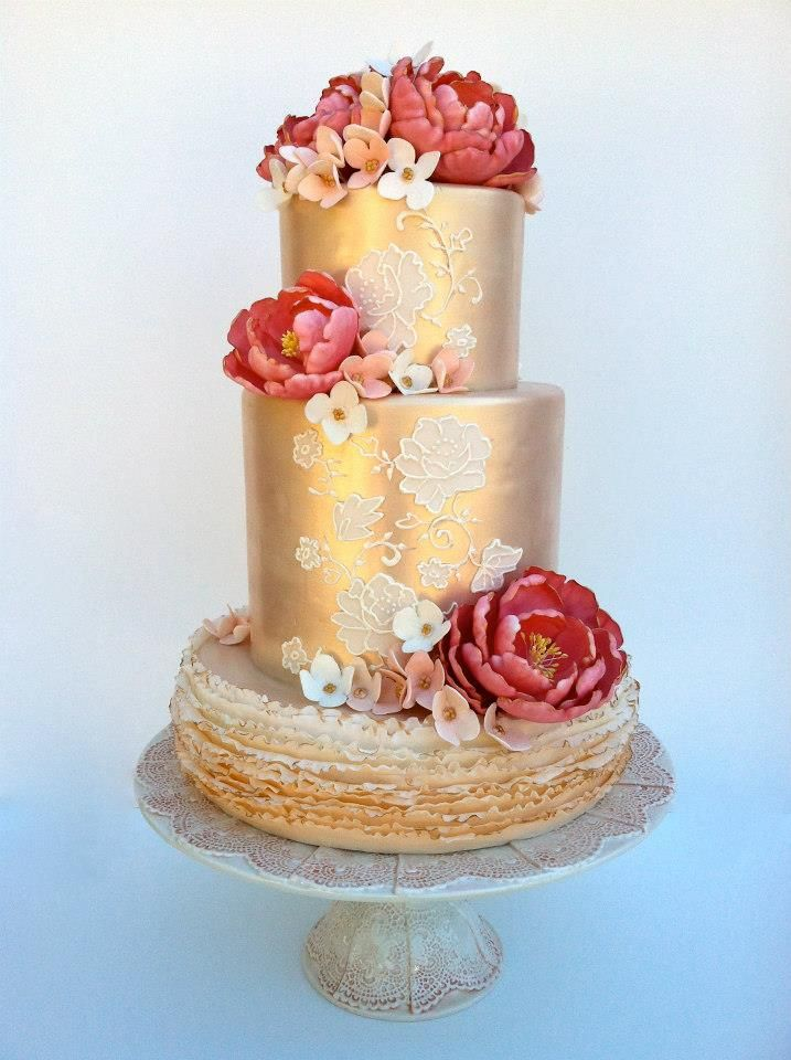 20+ Magnificent Gold Wedding Cakes - Page 15 of 23