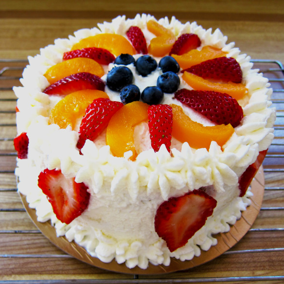 Cake With Fruits On Top : Top 15 Super Enticing and Colorful Fruit Cakes