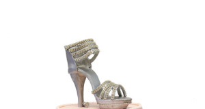 High Heel and Crystal Brooch Sweet 16 Cake