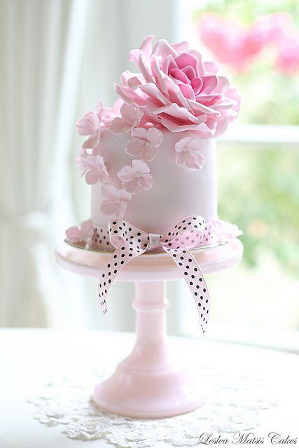 Mini Elegant and Chic Cakes