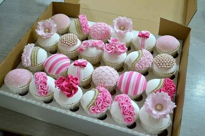 Aishah Mushtaq Mini Cakes