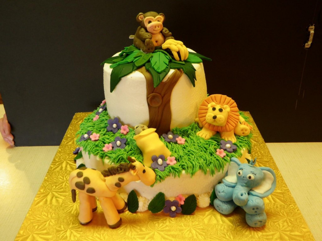 20 Perfect and Lovely Cakes for Your Kids Page 9 of 37