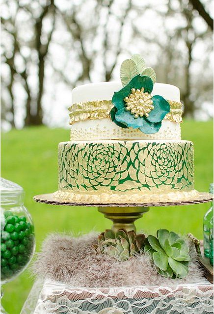 Emerald 20's Inspired Wedding Cake