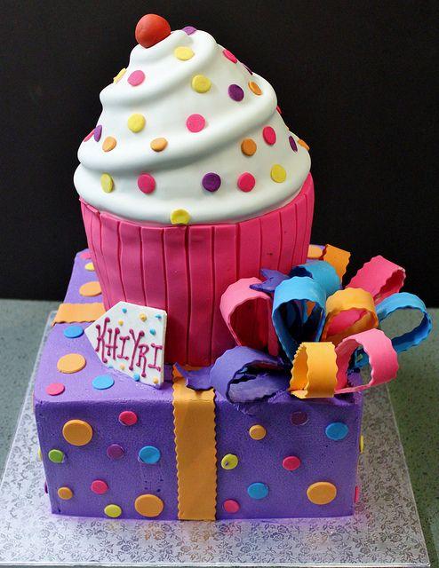 Beautiful Cake and Cupcake
