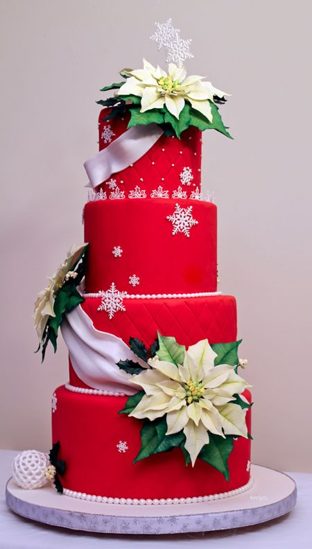 Elegant Christmas Cake in Red