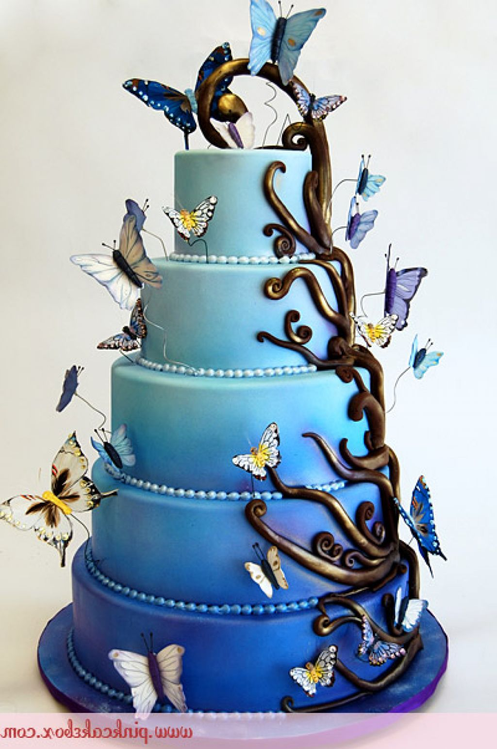 20 Super Amazing and Fantastic Cakes Page 20 of 20