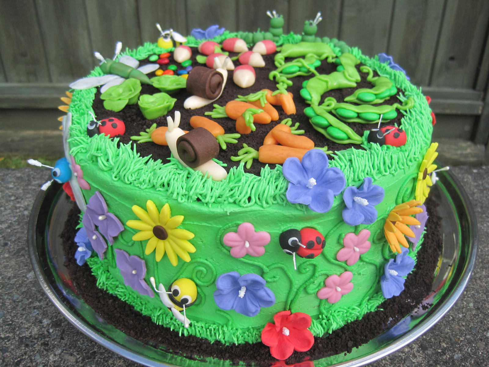25 best cake designs ever page 19 of 34 for Vegetable garden cake ideas