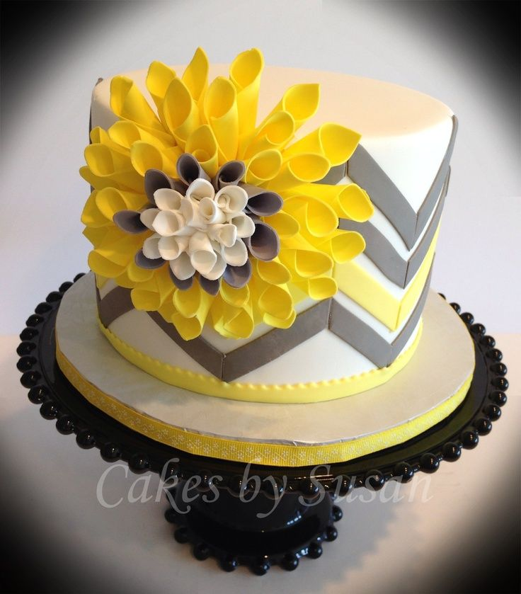 Birthday Wishes Flower Cake Yellow