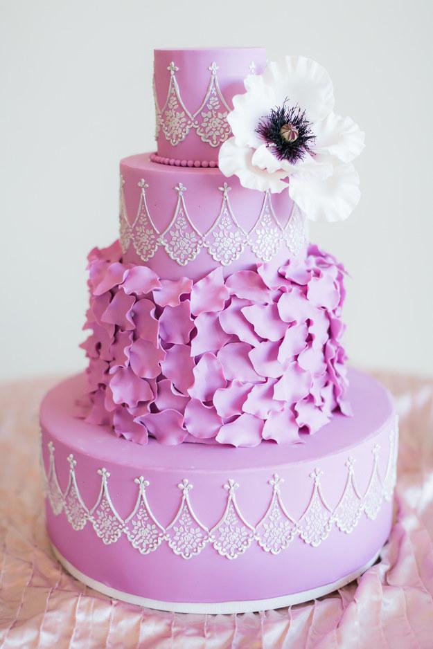 Opulent LilacColored Cake Amazing Cake Ideas