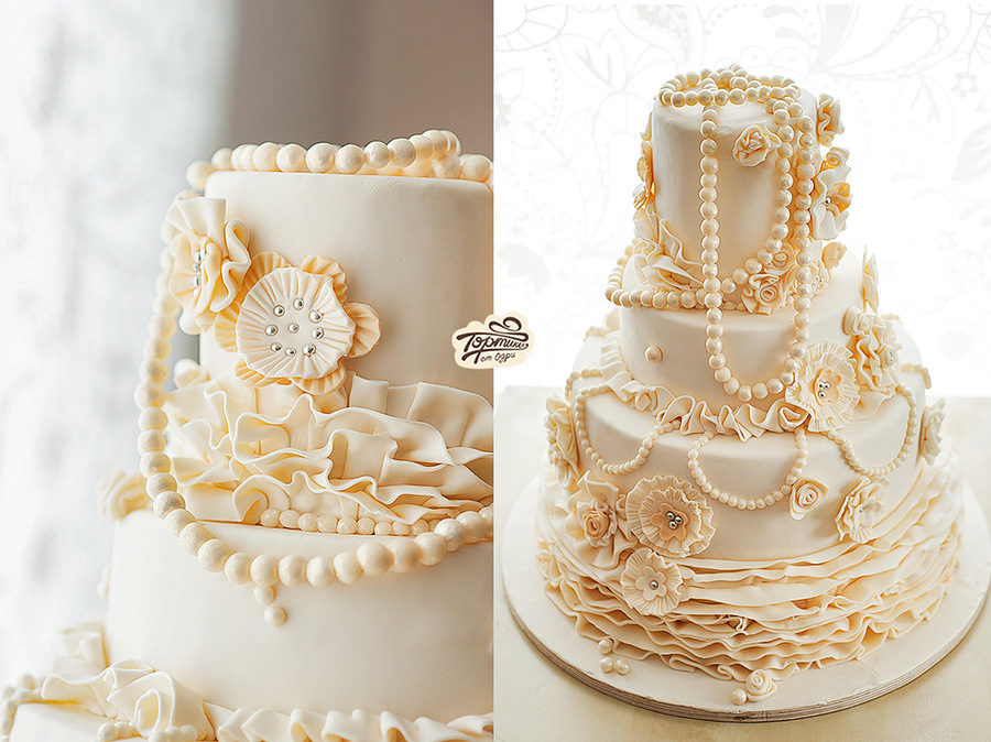 Pearl Wedding Cake Perfection