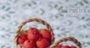 Apple Basket Mini Cakes by Cake Parlour