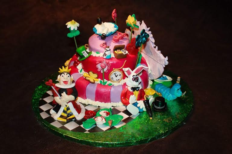 Jacqueline Van Der Wal's Alice in the Wonderland Cake