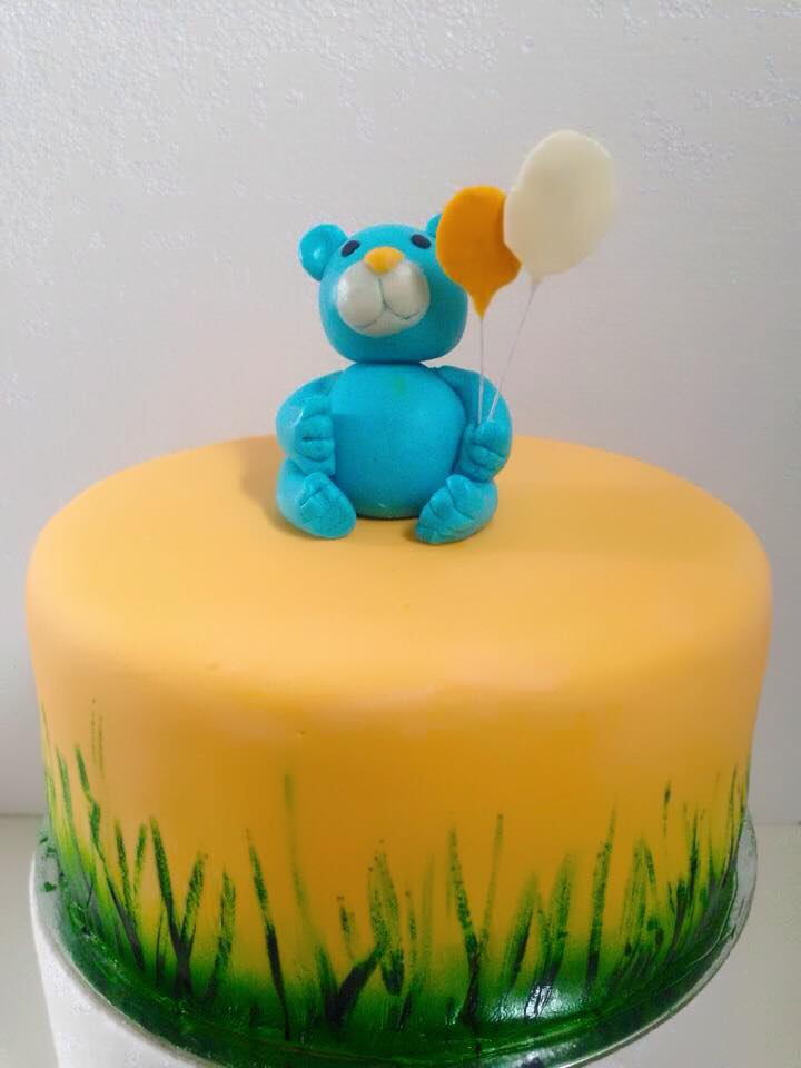 Simple Bear Cake by Daniel Guiriba‎