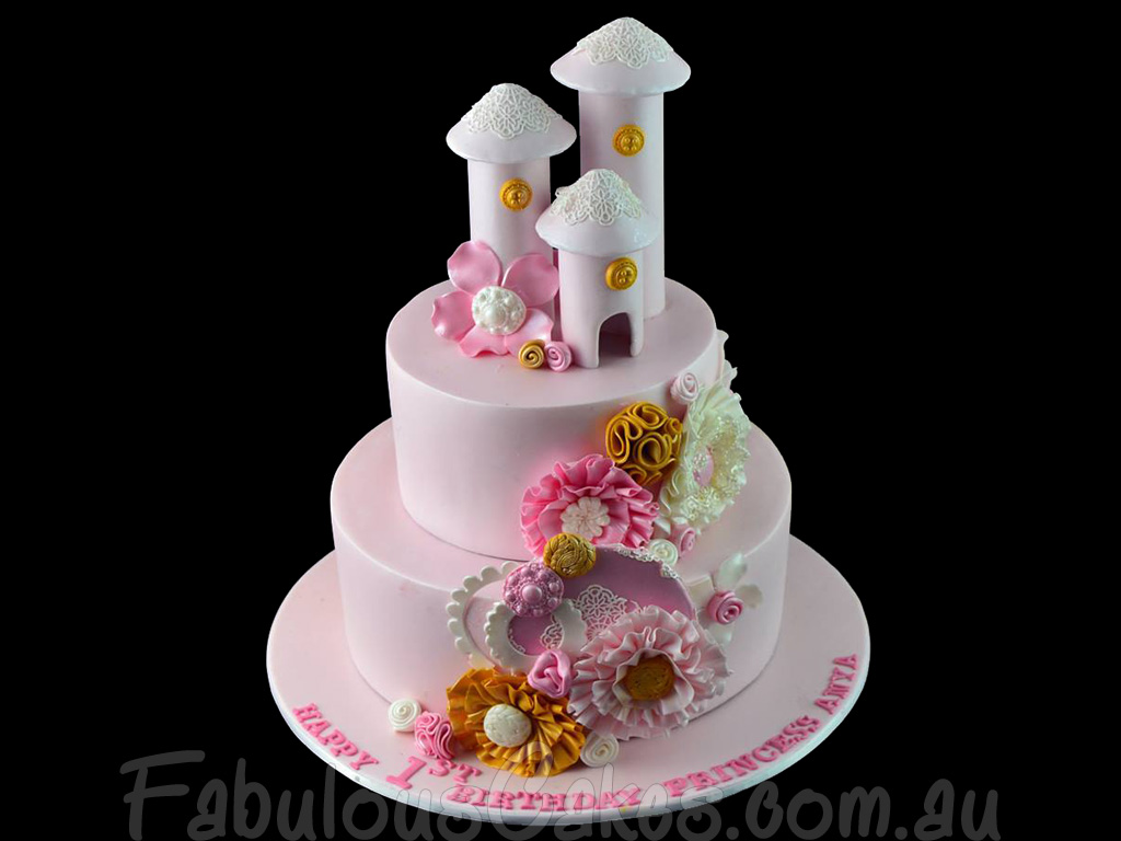 Awesome 1St Birthday Cake For A Girl Amazing Cake Ideas Funny Birthday Cards Online Alyptdamsfinfo