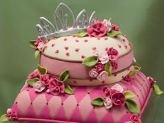 Cute Tiara and Pillow Cake by LaVerne Pretorius