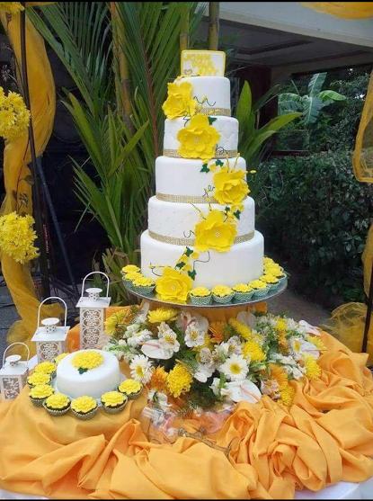 Ivy emia astovezas beautiful cake with yellow flowers amazing ivy emia astovezas beautiful cake with yellow flowers mightylinksfo