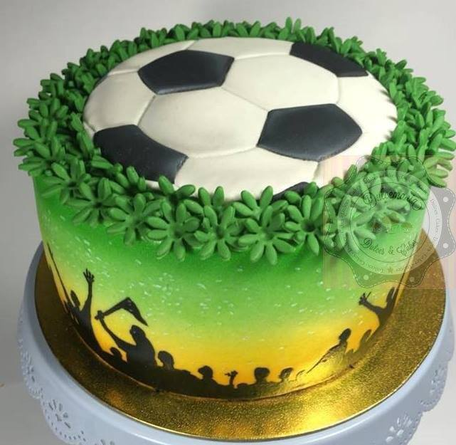 Peachy Soraya Sousas Soccer Ball Cake Amazing Cake Ideas Funny Birthday Cards Online Overcheapnameinfo